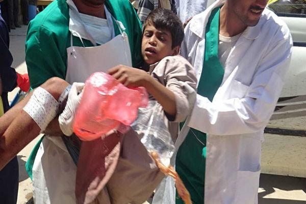 حملات توپخانهای سعودیها به «الحدیده» یمن/ یک شهید و ۱۱ زخمی